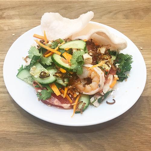 Вьетнамский салат с грейпфрутом и креветками