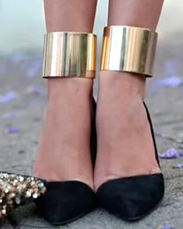 Тренд: браслеты-манжеты для ног