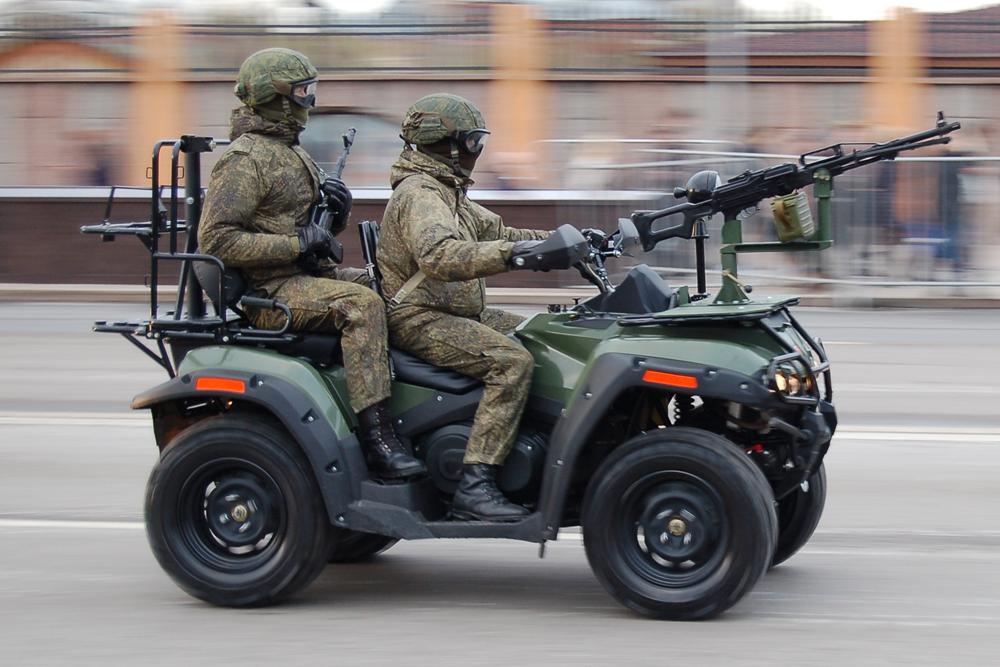 Мотовездеходы ВДВ и спецназа пройдут по Красной площади