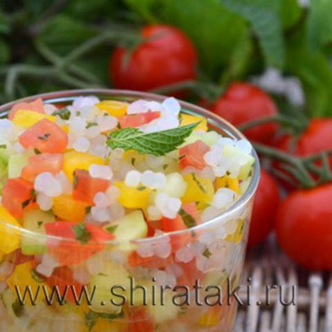 Вегетарианский салат c рисом ширатаки