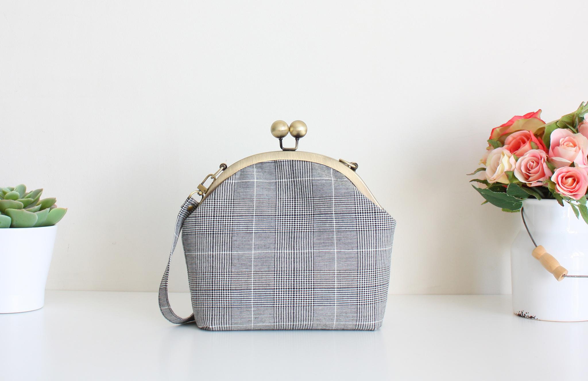 Шьем сумку с фермуаром на винтах 19,5 см