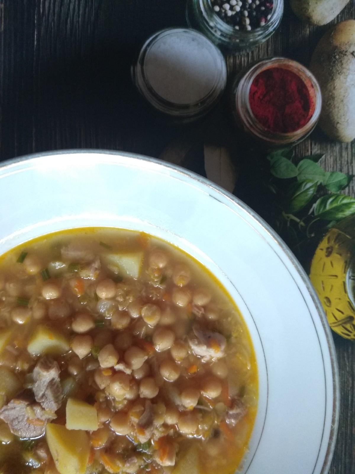 Суп из индейки с нутом и красной чечевицей
