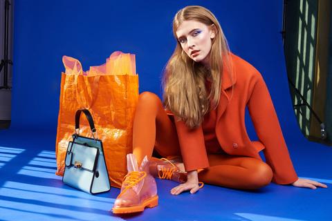 Прозрачные ботинки Invisible Shoes в японском журнале о моде EnVie Magazine