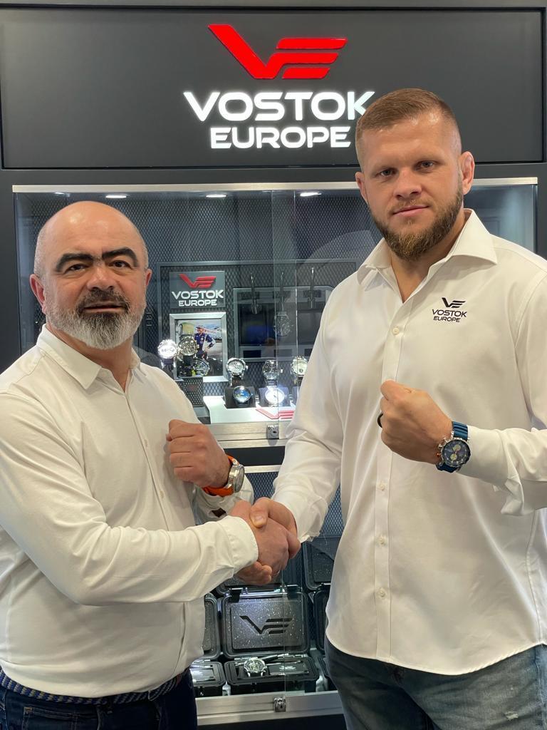 Разрешите представить вам нового посла Vostok Europe...