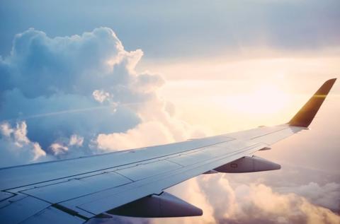 5 способов развлечь ребёнка в самолёте!