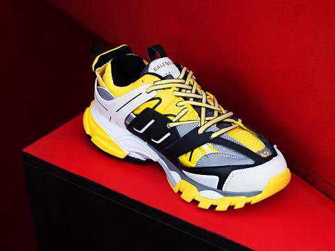 Всё что Вам нужно для стильного образа – это кроссовки Balenciaga Track Trainers