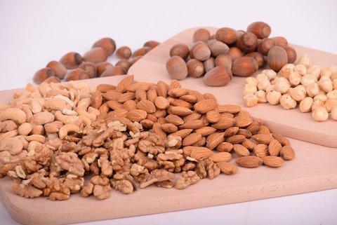 Сколько можно есть орехов в день