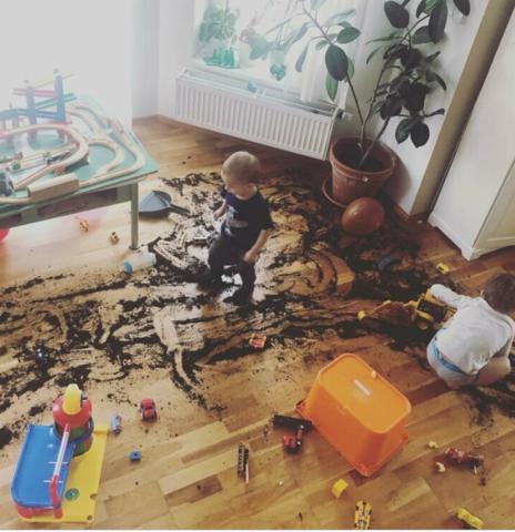 Как добиться того, чтобы ребёнок убирал за собой и сам наводил порядок в комнате?