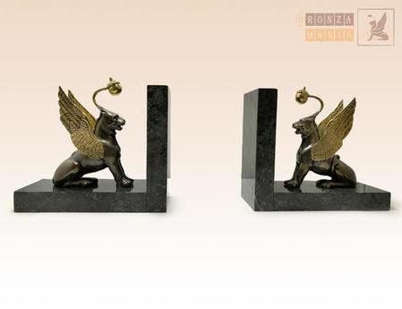 Сувениры из бронзы - отличный подарок для бизнес-партнеров