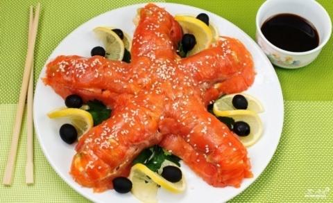 Закуски на Новый Год: рецепт салата (торта?) Морская звезда – вкусный и оригинальный