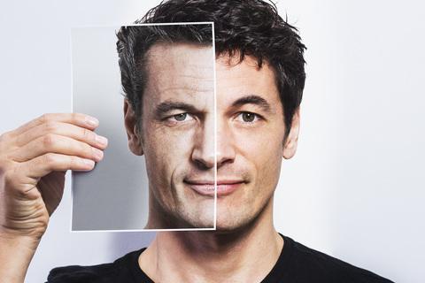 А надо ли мужчинам ухаживать за кожей лица?