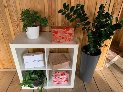 Подарки в коробках: кто придумал упаковывать подарки и почему мы это так любим?!