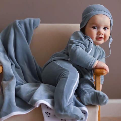 Как одеть ребёнка в прохладную погоду?