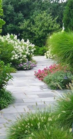 Хотите красивую садовую дорожку без сорняков? Обязательно используйте геотекстиль!