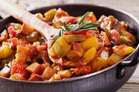 Рецепт овощного блюда в казане на газовой горелке: овощное рагу – вкусно, быстро и полезно!