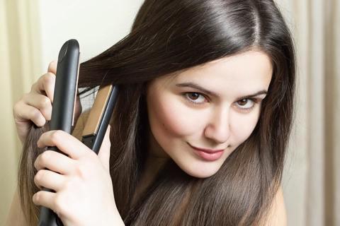 Вреден ли утюжок для волос?