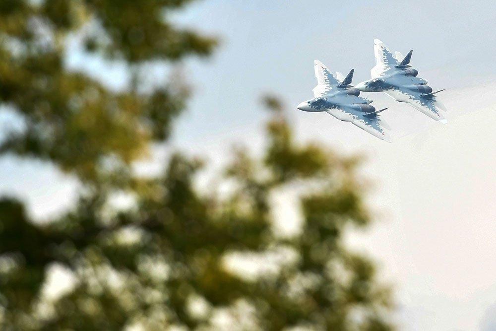 Зрелищный пилотаж Су-57