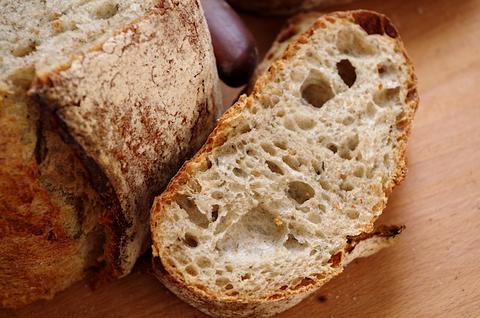 Если хлеб на закваске кислит