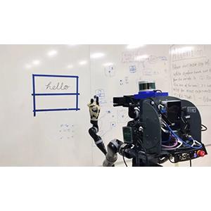 Робот освоил письменность