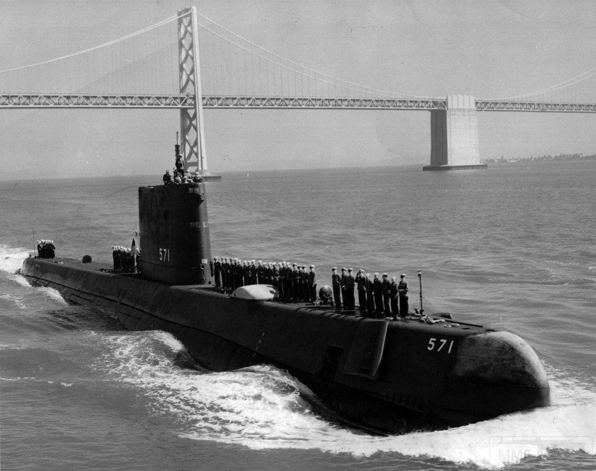 Первая атомная подводная лодка SSN-571