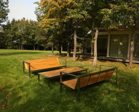 Дизайнерская садовая мебель  – новый реализованный проект в пригороде Санкт-Петербурга