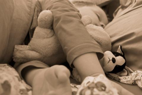 Совместный сон с ребёнком: кому и зачем он нужен, и как долго может продолжаться?