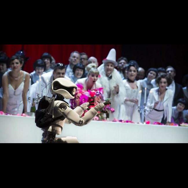 Труппу Берлинской оперы пополнил робот
