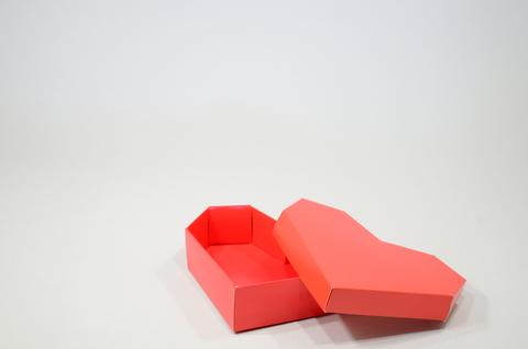 Видео-инструкция по сборке коробки в виде сердца