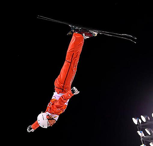 Лыжная акробатика.