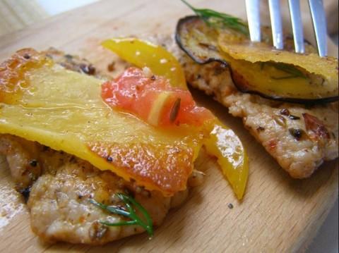 Ароматная свинина с сырной чипсой жареная с овощами в воке - быстро, вкусно и полезно
