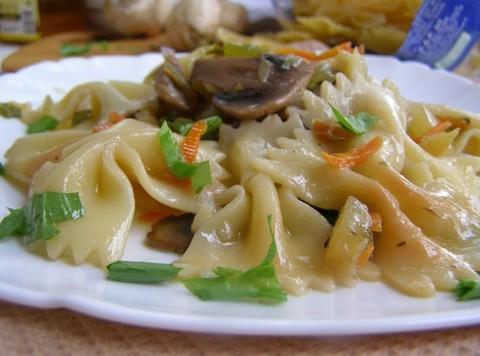 Макароны, жареные с овощами и грибами в воке: оригинальный способ приготовления оригинального блюда
