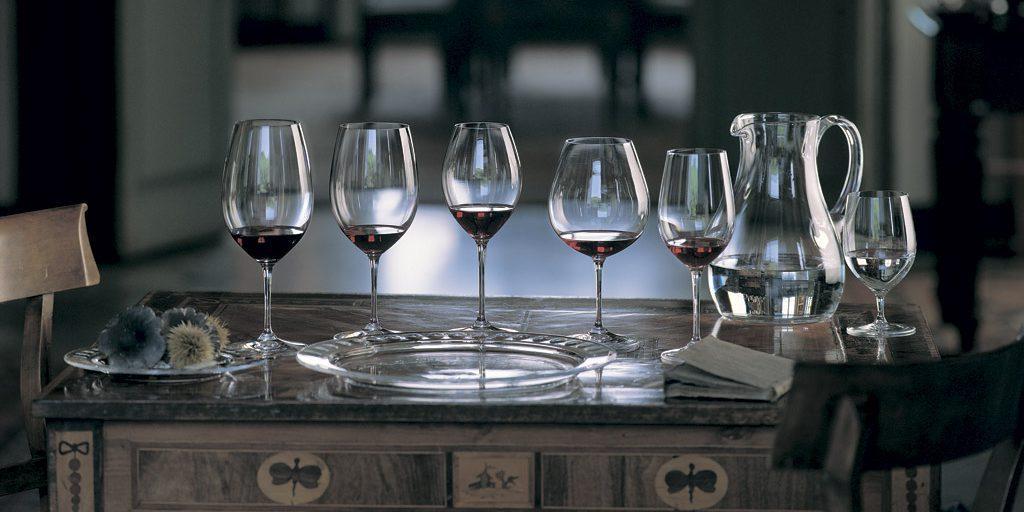 Вино и стекло: зачем нужны разные формы бокалов