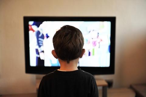 Дети и телевизор: что смотреть, когда и как?