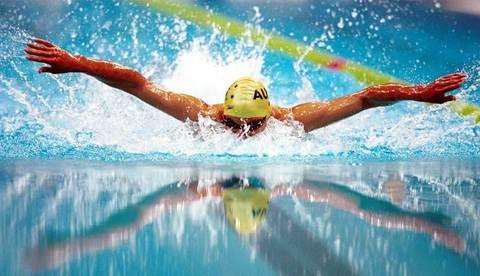 Скорость дыхания пловца определяет его скорость на дорожке