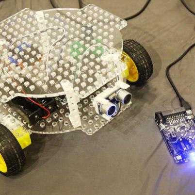 Отечественные контроллеры легли в основу обучающего робота