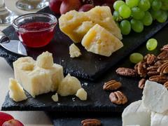 Как оформить сырную тарелку?