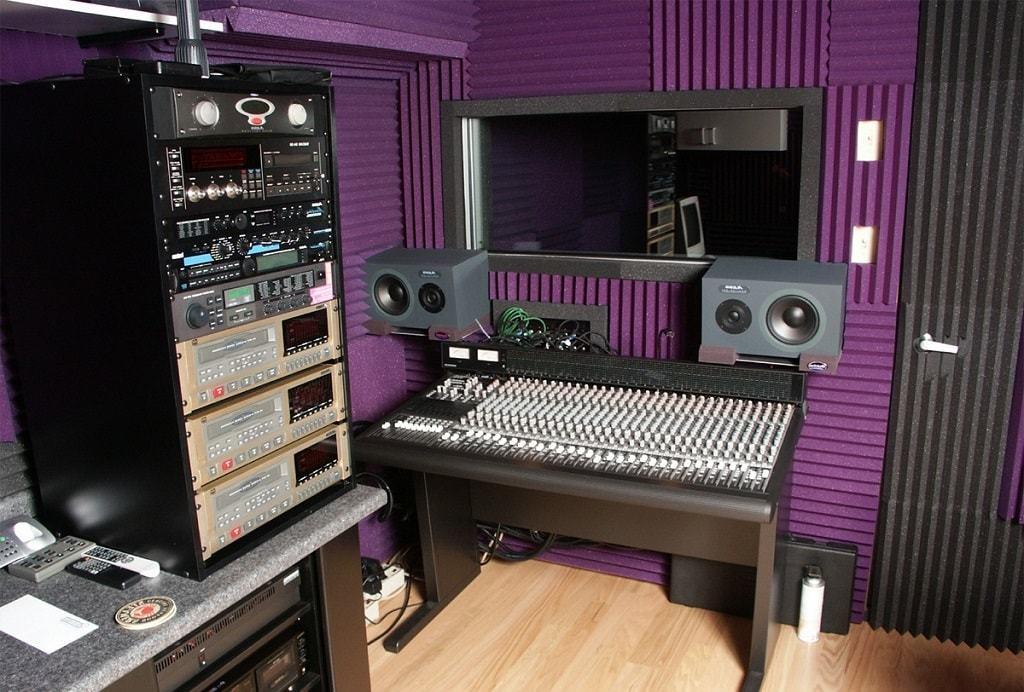 Акустический поролон для обустройства звукозаписывающих студий