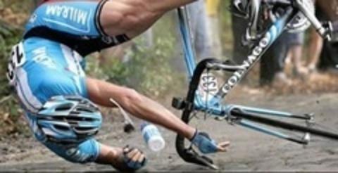 Техника катания: Как правильно падать с велосипеда