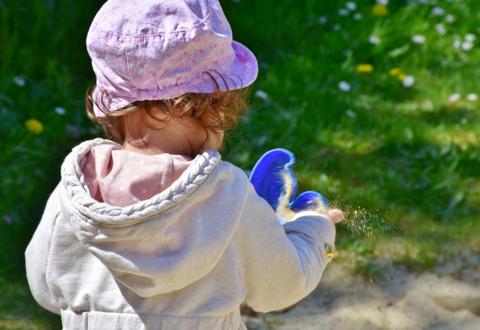 Как подписать детские вещи в садик?