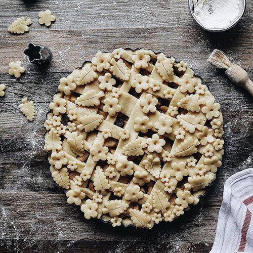 Пирог с вареньем к 8 Марта