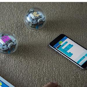Sphero Bolt совмещает обучение и развлечение