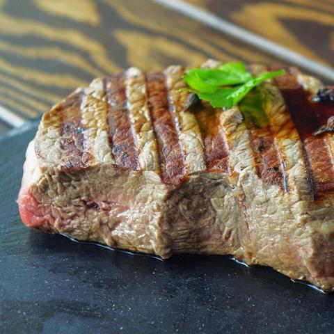 Как и сколько готовить говядину на гриле?