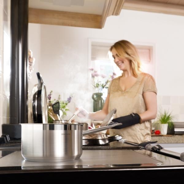 Учимся чистить посуду из нержавеющей стали