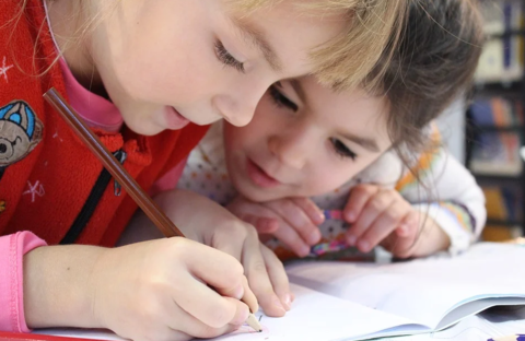 Как не «стоять над душой» и сделать так, чтобы ребёнок сам хотел учиться?