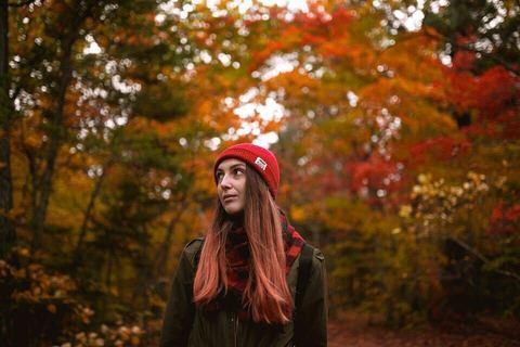 Маргарита в осеннем лесу