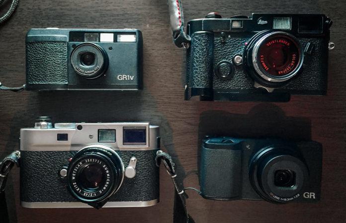 Ricoh готовят лимитированный объектив, а Leica — новую камеру