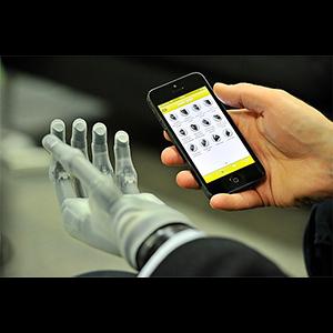 Механические конечности под управлением  iPhone