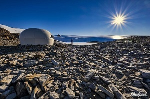 Дом из пробки в Антарктиде