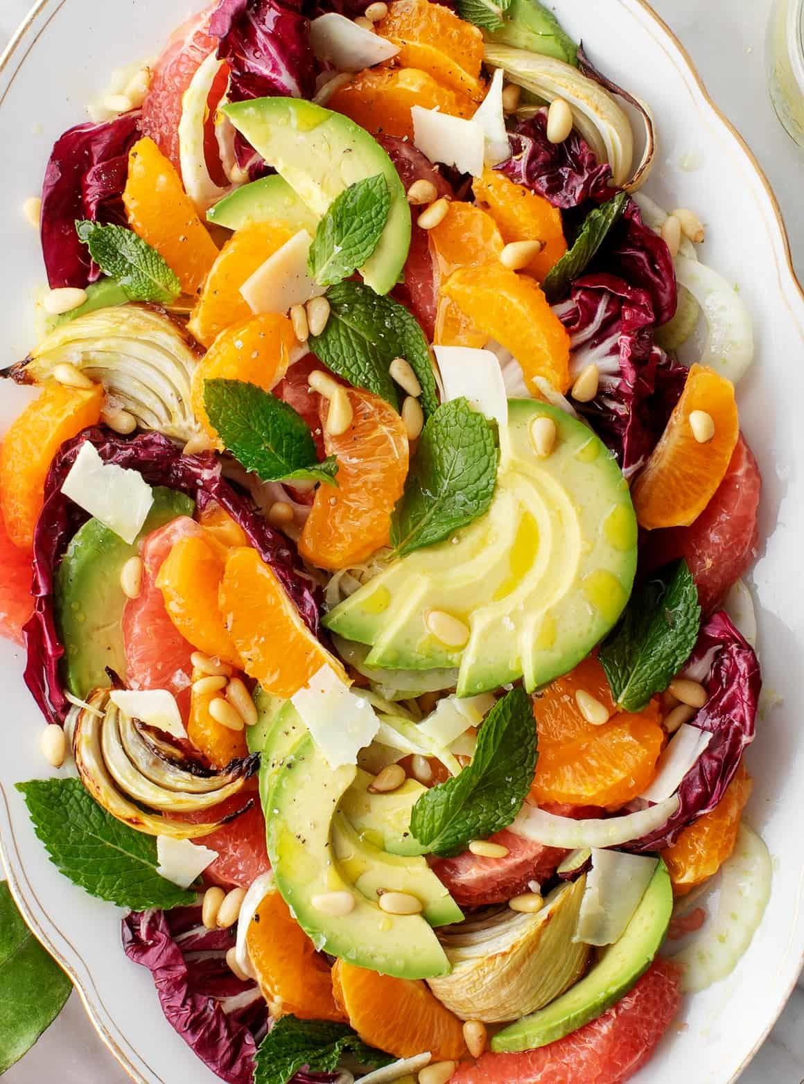Цитрусовый салат с фенхелем и авокадо