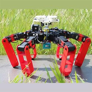 Шестиногий робот движется по Солнцу
